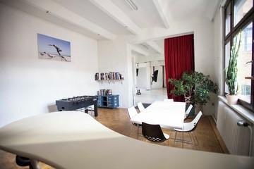 Berlin Photography Studio Fotostudio Großraum-Studio mit Konferenzraum image 3