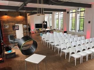 Hamburg  Eventraum Hinterhof-Loft image 13