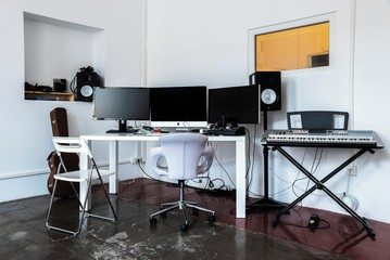 Berlin  Filmstudio Chorusart Productions GmbH image 6