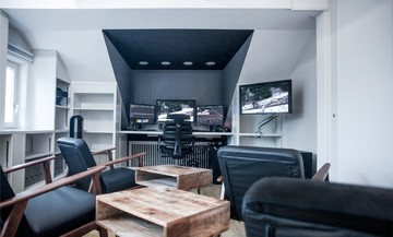 Hamburg  Schnittstudio Grading Suite // Eleven Post Production image 0