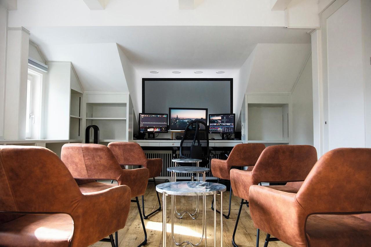 Hamburg  Schnittstudio Grading Suite // Eleven Post Production image 0