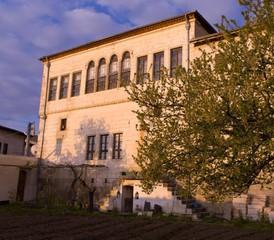 Rest of the World  Filmstudio Ottomanische Steinvilla vom Jahr 1885 mit 20 Zimmern image 5