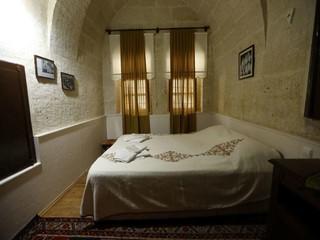 Rest of the World  Filmstudio Ottomanische Steinvilla vom Jahr 1885 mit 20 Zimmern image 7