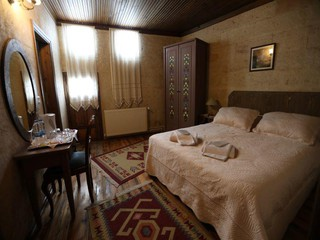 Rest of the World  Filmstudio Ottomanische Steinvilla vom Jahr 1885 mit 20 Zimmern image 12