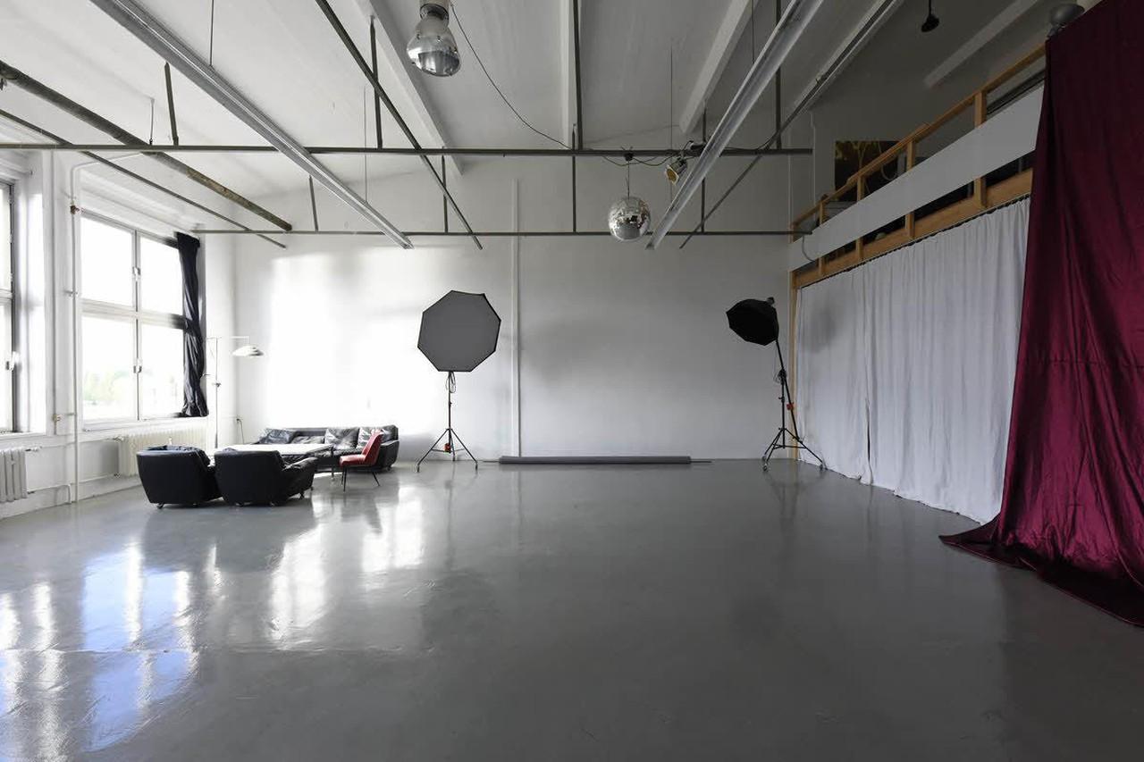 Berlin  Fotostudio SPREERENTSTUDIO image 2