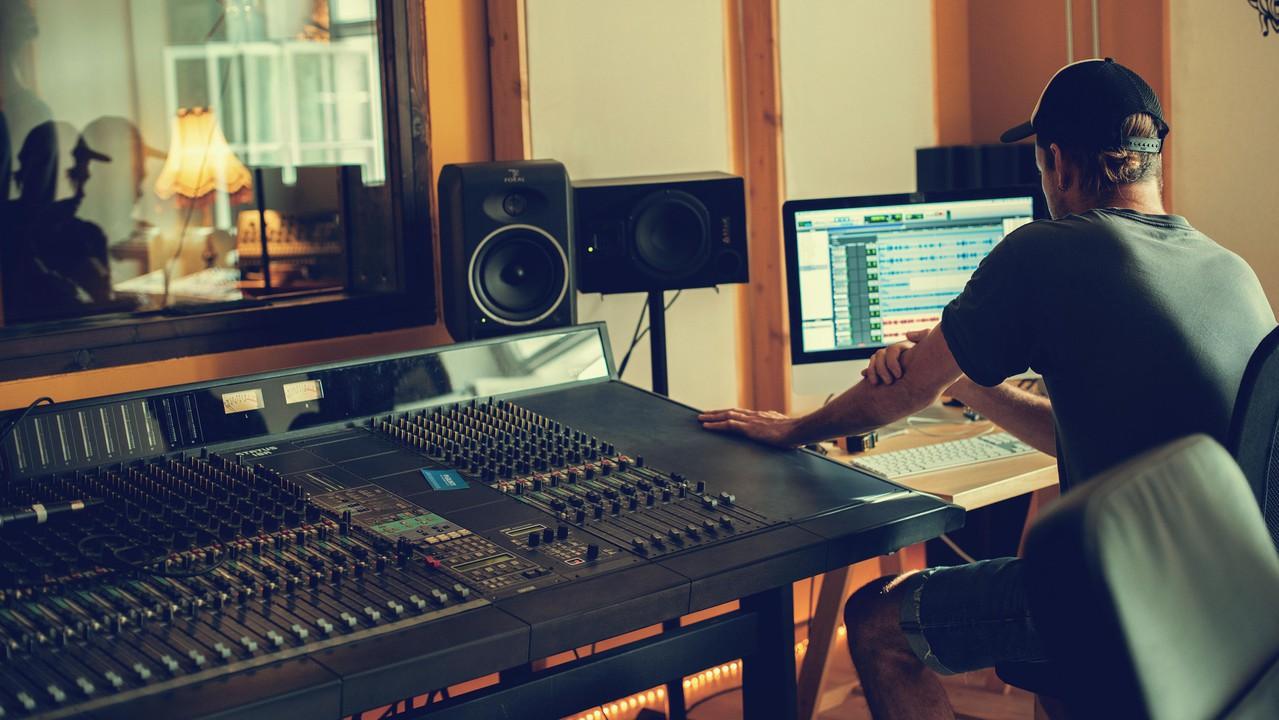 Berlin  Tonstudio Mixing image 1