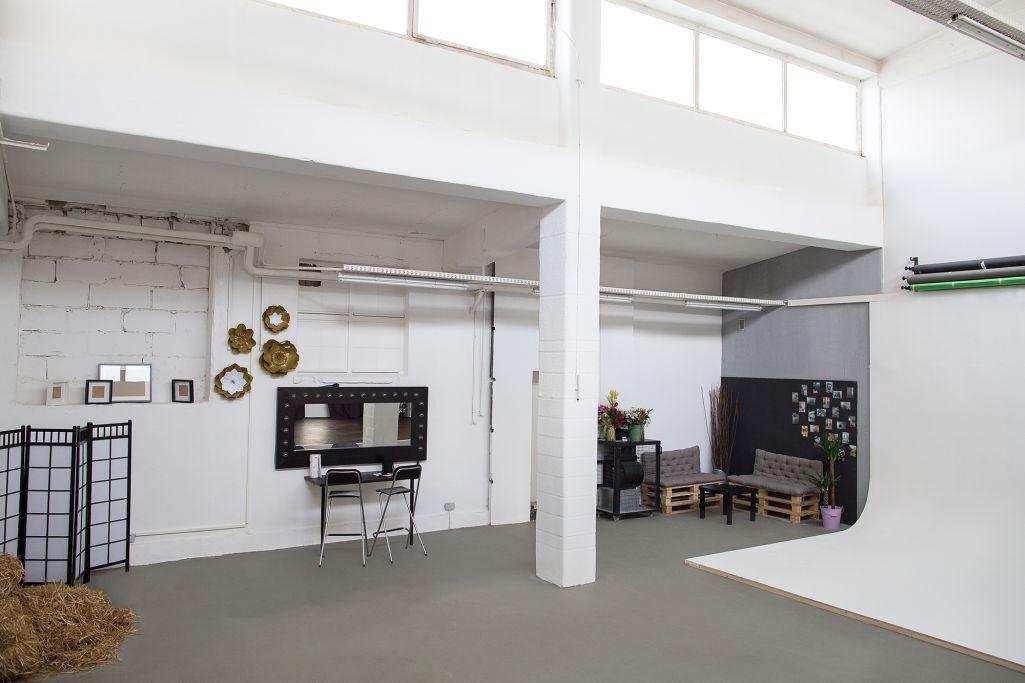 cross space studio mieten in berlin. Black Bedroom Furniture Sets. Home Design Ideas