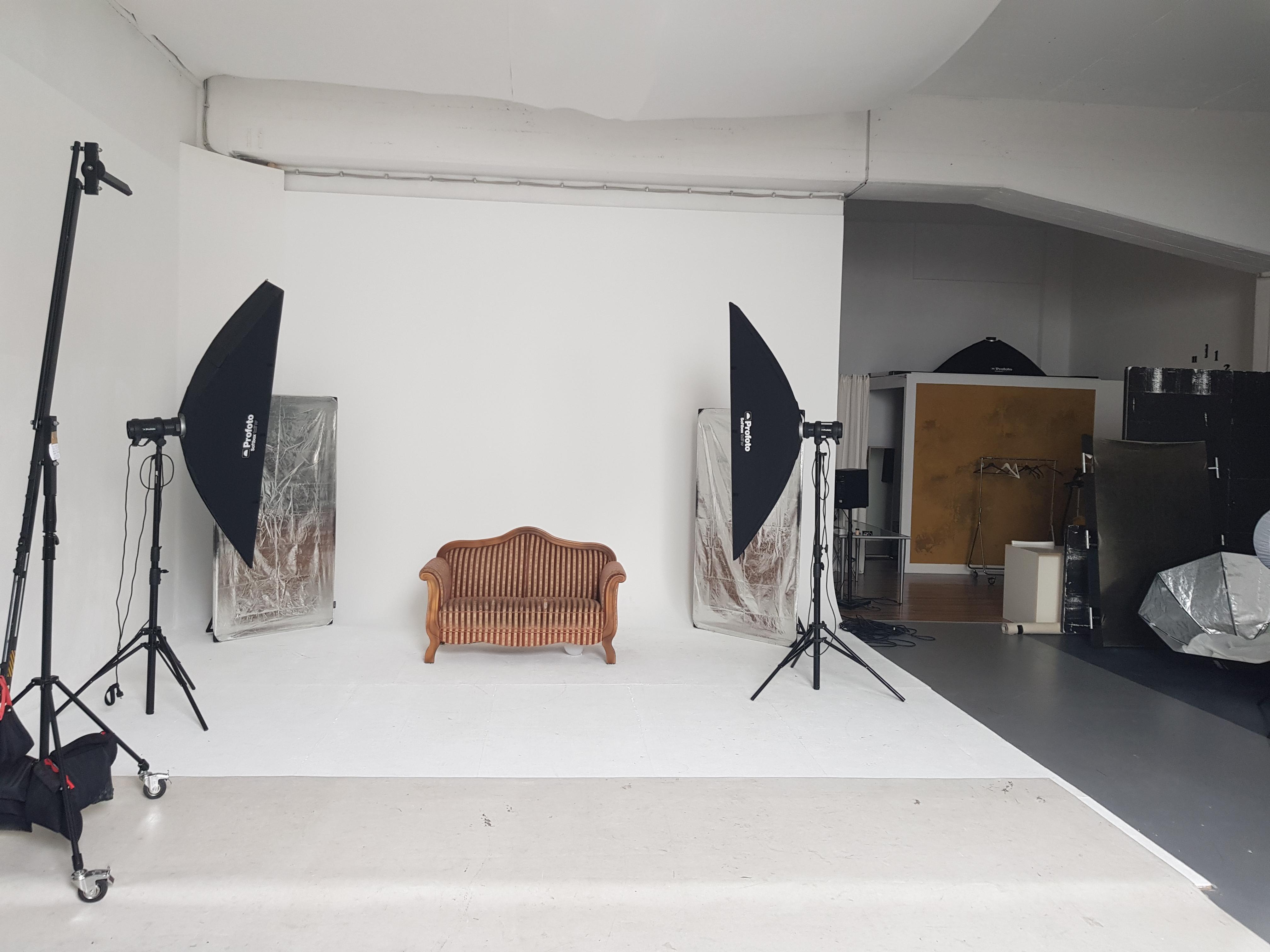 Rest of the World  Fotostudio POINT 54 STUDIO - Raum für Kreativität image 0